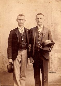 Vintage Handsome Men Photos — Torn cabinet card of two young men in suits with. Vintage Couples, Vintage Love, Vintage Images, Vintage Men, Vintage Beauty, Vintage Gentleman, Dark Photography, Gay Couple, Cute Gay