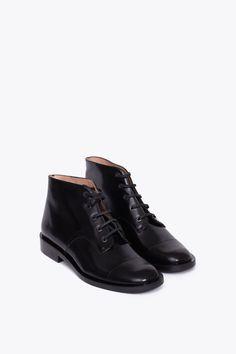 Robert Clergerie • Esmac Boot • // Very nice toe-cap detailing