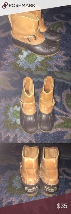 Gorgeous LL Bean Duck Boots!! Great pair of duck boots, add these to your fall collection! I believe they are a size 7 or 7.5! Worn, but still have life. Great pair of boots that need a new home ❤️ L.L. Bean Shoes Winter & Rain Boots