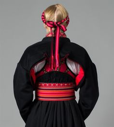 Bunad from Telemark 1940s Fashion, Ethnic Fashion, Norwegian Clothing, Ethnic Dress, Russian Fashion, Folk Costume, World Cultures, Historical Clothing, Traditional Dresses