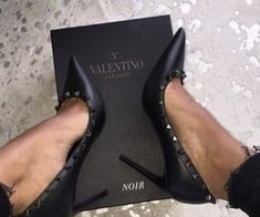 ideas fashion style edgy high heels for 2019 Dr Shoes, Crazy Shoes, Cute Shoes, Me Too Shoes, Shoes Heels, Stilettos, High Heels, Pumps, Narrow Shoes