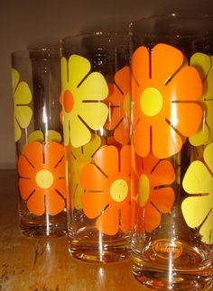 Vintage 1970s Retro Orange and Yellow Daisy Glassware - Set of 6 via Etsy