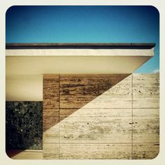 awesome shapes.... Ludwig Mies van der Rohe - PABELLÓN MIES VAN DER ROHE BARCELONA
