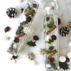 Flower Crafts, Diy Flowers, Flower Decorations, Christmas Decorations, Light Bulb Vase, Jar Spells, Flower Bottle, Dried Flower Arrangements, Soap Shop