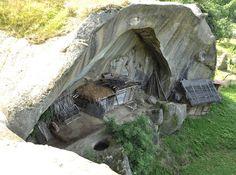 Magazie naturală, Corbii de Piatră, Argeş