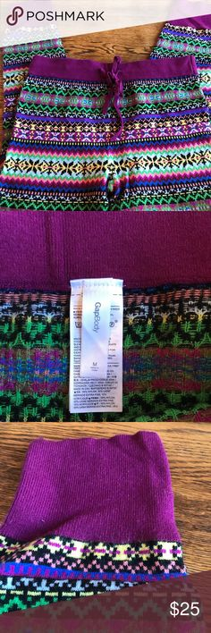 Gap Body SWTR Leggings - M The print is called crazy fairisle- these are really thick and such a beautiful print! Bundle with my Gap Body poncho and you'll be all set for a cute cozy look!  Only worn once Excellent like new condition GAP Pants Leggings