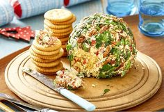 Savoury Cheese Ball If you like your cheese and crackers, look no further. With toasted pecans, vintage tasty cheese, chives & capsicum, it's fabulous cocktail party dipper. Christmas Nibbles, Christmas Cheese, Aussie Christmas, Christmas Party Food, Xmas Food, Christmas Appetizers, Christmas Cooking, Christmas Lunch Ideas, Christmas Entrees