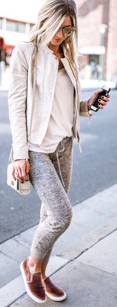 #spring #outfits /  Grey Skinny Skinny Jeans / Brown Sneakers / Grey Jacket