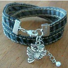 Recycling:  Jeans into a Bracelet  // Reciclando:  Jeans/Mahones en un Bracelete