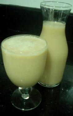 Ingredientes: 1 l de leite desnatado , 1 copinho de yakult original (à temperatura ambiente) , 1 termômetro de mecúrio para controlar a temperatura