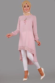 Kübra Kolyeli Peplum Tunik  Pudra Ürün Kodu: KNZ2100-S--> 39.90 TL Tunic Blouse, Tunic Tops, Arab Fashion, Womens Fashion, Modele Hijab, Peplum, Satin, Arab Style, Hijabs