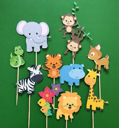 Jungle animals cupcake toppers, zoo animals toppers, wild animals toppers, jungle gym, monkey topper - Rush Tutorial and Ideas Jungle Theme Birthday, Jungle Party, Safari Party, Animal Birthday, Jungle Gym, Jungle Lion, Zoo Birthday, Safari Cupcakes, Animal Cupcakes