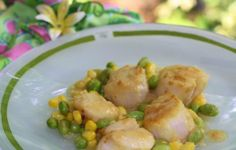 Pan Seared Scallops with Corn and Edamame Succatosh from #cleancuisine #fishonfriday