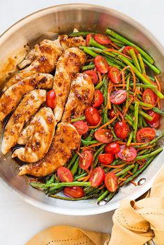 One Pan Balsamic Chicken and Veggies — believe it or not, this flavorful dinner can be ready in as little as 20 minutes and only dirties one pan, via @cookingclassy