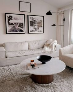 Shaggy-Teppich Mcconnell in GrauWayfair. Living Room White, Living Room With Fireplace, Living Room Modern, Rugs In Living Room, Interior Design Living Room, Home And Living, Living Room Decor, Room Rugs, Modern Home Interior Design