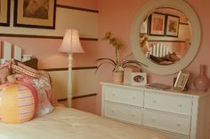 Google Image Result for http://www.interior-design-it-yourself.com/images/teen_decorating_pink_pretty.jpg