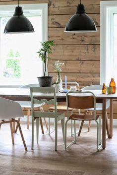 Une salle à manger rustique et vintage