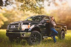 Truck Senior Pictures, Male Senior Pictures, Boy Pictures, Senior Photos, Senior Boys, Senior Year, Pic Pose, Senior Photography, Healthy Drinks