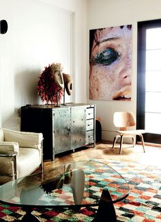 noguchi table + eames (interior design, home decor) Modern Interior Design, Interior Architecture, Interior And Exterior, Mesa Noguchi, Isamu Noguchi, Home And Living, Home And Family, Living Room, Family Room