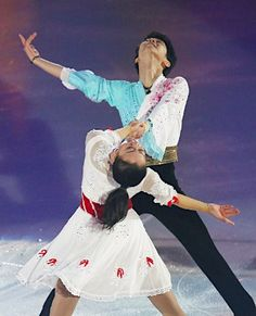 Japanese National Champions. Yuzuru Hanyu and Mao Asada. エキシビションの浅田と羽生