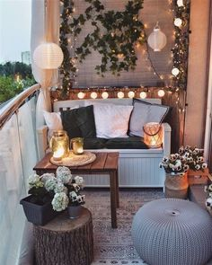 Apartment Balcony Decorating, Apartment Balconies, Porch Decorating, Decorating Ideas, Cozy Apartment, Small Balcony Design, Small Balcony Decor, Balcony Ideas, Balcony Garden