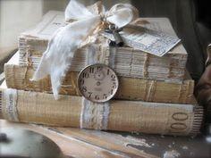 Gifts & Decor Shabby Elegance Scrollwork Candleholder Chic Decor - Home Style Corner Vintage Crafts, Vintage Shabby Chic, Shabby Chic Decor, Vintage Decor, Vintage Lace, Vintage Country, Vintage Furniture, Antique Books, Vintage Books