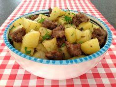 Worst met aardappelen uit de oven - vlees recepten — Alles Over Italiaans Eten