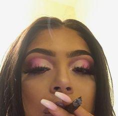 10 Night Out Makeup Ideas That Men Find Irresistible Makeup Goals, Makeup Inspo, Makeup Inspiration, Beauty Makeup, Eye Makeup, Hair Makeup, Hair Beauty, Flawless Makeup, Weed Girls