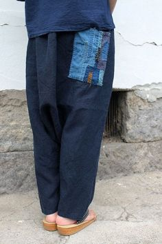 SASAKI-JIRUSHI (Antique linen) Made by us Material:Antique linen (Early century of France) Patchwork material:Japanese Boro century) Dyed:Indigo ,dyed in Japan Size: Waist: - inch cm) Hip: inch cm) Waist to hem: inch cm) cm) Jeans Refashion, Diy Clothes Refashion, Baggy Clothes, Drop Crotch Pants, Diy Clothes Videos, Patched Jeans, Fashion Project, Japanese Outfits, Handmade Clothes