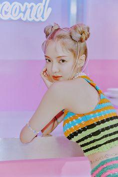 Hyoyeon goes full on color in sassy teaser images for her comeback single 'Second' | allkpop Kim Hyoyeon, Sooyoung, Yoona, Snsd, Jay Park, Got7, Girls Generation Hyoyeon, Korean Entertainment, 1 Girl