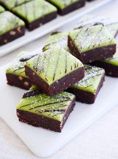 Dammsugare i långpanna | erikasfikastund Cookie Desserts, Just Desserts, Delicious Desserts, Baking Recipes, Cake Recipes, Dessert Recipes, Dessert Bars, Swedish Recipes, Sweet Pastries