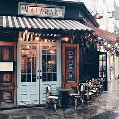 merci Julia Engel for the - Reisen & Restaurants My Coffee Shop, Coffee Shop Design, Coffee Shop New York, Paris Coffee Shop, Rustic Coffee Shop, Vintage Coffee Shops, Coffee Store, Coffee Coffee, Coffee Travel