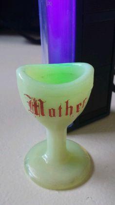 Mother vaseline glass Eye wash cup