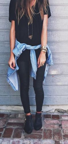30 Best Summer Outfits Stylish and Comfy jean negro, camisa jean, blusa negra anchita y botas gris collar carita feliz The Best of casual outfits in Fashion Mode, Look Fashion, Womens Fashion, Fashion Trends, Fashion Black, Fall Fashion, Latest Fashion, Fashion Ideas, Trendy Fashion