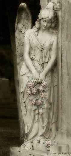 queenbee1924:  Angel statue | Angels❤Cherubs❤Seraphims)