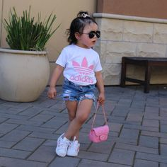 28 Ideas baby fashion toddlers girl outfits for 2019 Cute Little Girls Outfits, Kids Outfits Girls, Toddler Girl Outfits, Boy Outfits, Toddler Dress, Toddler Girls Fashion, Cute Kids Fashion, Little Girl Fashion, Trendy Fashion