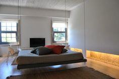 Apartamento, Aluguer de Férias em Porto Reserve e Alugue - 0 Quarto(s), 1.0 Casa(s) de Banho, Para 2 Pessoas - Casa típica com 2 suítes, Cama suspensa, Design Zen minimalista