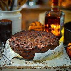 The delicate orange flavourings in this spiced fruit cake are enhanced by feeding it. The delicate orange flavourings in this seasy Christmas cake recipe are enhanced by feeding it. Christmas Cake Recipe Uk, Christmas Cake Pops, Pancakes Easy, Food Cakes, Fruit Cakes, Fruit Fruit, Cupcakes, Christmas Cooking, Christmas Kitchen