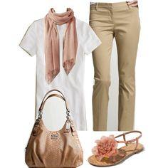 Look romântico com calça de alfaiataria cáqui.                                                                                                                                                                                 Mais