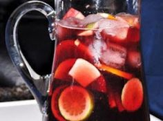 How to Make Sangria. Sangria is a wine punch from Spain and Portugal and has become increasing popular in the United States. Sangria is the beverage of choice for wine-loves on a hot summer day. Party Drinks, Cocktail Drinks, Fun Drinks, Alcoholic Drinks, Beverages, Summer Sangria, Red Sangria, Summer Drinks, Appetizers