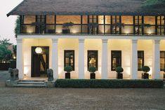 Rachamankha Hotel [Chiang Mai] – Trendland Online Magazine Curating the Web since 2006 Tropical Architecture, Hotel Architecture, Colonial Architecture, Architecture Design, Asian Architecture, Asian House, Thai House, French Colonial, British Colonial