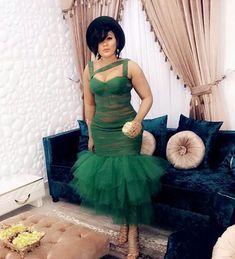 Wedding Guests Steal-worthy Looks - Wedding Digest Naija African Bridesmaid Dresses, Short African Dresses, African Wedding Attire, African Print Dresses, African Attire, African Fashion Ankara, Latest African Fashion Dresses, African Print Fashion, Africa Fashion