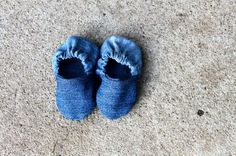 DIY Baby Shoes (recycled from old jeans) | Pretty Prudent ***~~~I made mine from a red canvas valance I picked up at the thrift store. They are kind of a hot mess. They are kind of more mess than hot. But they're tiny and therefore adorable nonetheless and they match my Toms so I declare this a success! Easy pattern, any problems were likely user error. ~~~***