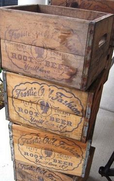 37 Vintage Craft Crate Ideas – Fun And Creative Things To Do With Old Crates - 29