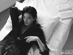 Lee Jong Suk Hot, Lee Jung Suk, Korean Star, Korean Men, Lee Jong Suk Wallpaper, Kang Chul, Netflix, Handsome Korean Actors, Cute Korean Boys