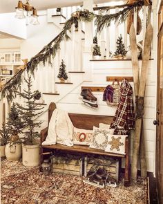 Cabin Christmas Decor, Christmas Farm, Christmas Living Rooms, Woodland Christmas, Farmhouse Christmas Decor, Christmas Table Decorations, Little Christmas, Rustic Christmas, Christmas Houses