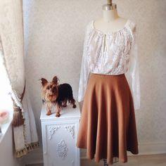 Sunday OOTD  www.1861.ca Top: Naftulie Jupe: Fleur-Emma- - - - - #boutique1861 #fallfashion #montreal #dress #vintageinspired #ootd #mtlootd #suede #70s #dogofinstagram