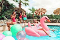 There are plenty of fun bachelorette party ideas that you can implement into your bash. Let the bride get wild one last time before her big day. Karaoke Party, Bachelorette Party Themes, Bachlorette Party, Bachelorette Weekend, Flamingo Float, Pool Party Decorations, Lakeside Wedding, Mothers Day Brunch, Pool Floats