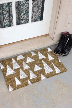 Welcome your guests this season with this sparkly doormat | Visit The Gift of Crafting board for your chance to win a Visa gift card