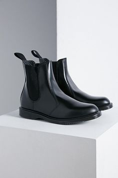 $140, Black Leather Chelsea Boots: Dr. Martens Flora Chelsea Ankle Boot. Sold by Urban Outfitters. Click for more info: https://lookastic.com/women/shop_items/311976/redirect